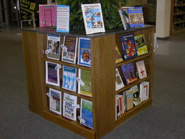 Book display cube